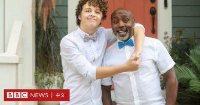 跨种族收养:一个非洲黑人收养美国白人男孩之后