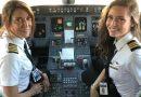 妈妈女儿共驾客机 美航空公司史上首对机长母女档